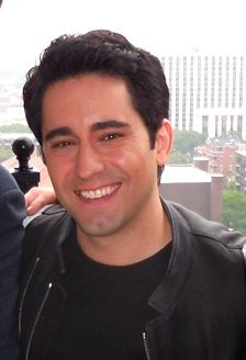 John Lloyd Young Jersey Boys | John Lloyd Young talks about his role as Frankie Valli in 'Jersey ...