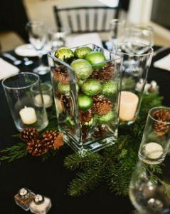 Centrotavola natalizi 'handmade' realizzati con le pigne