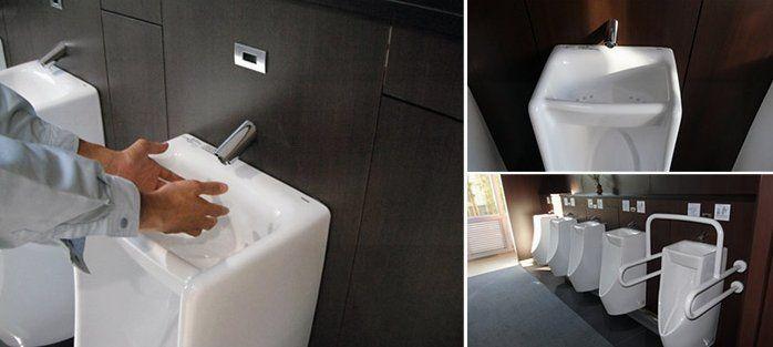 日本出現一體成形的「新型小便斗」 讓男生歡呼:21 世紀最偉大的廁所革命!