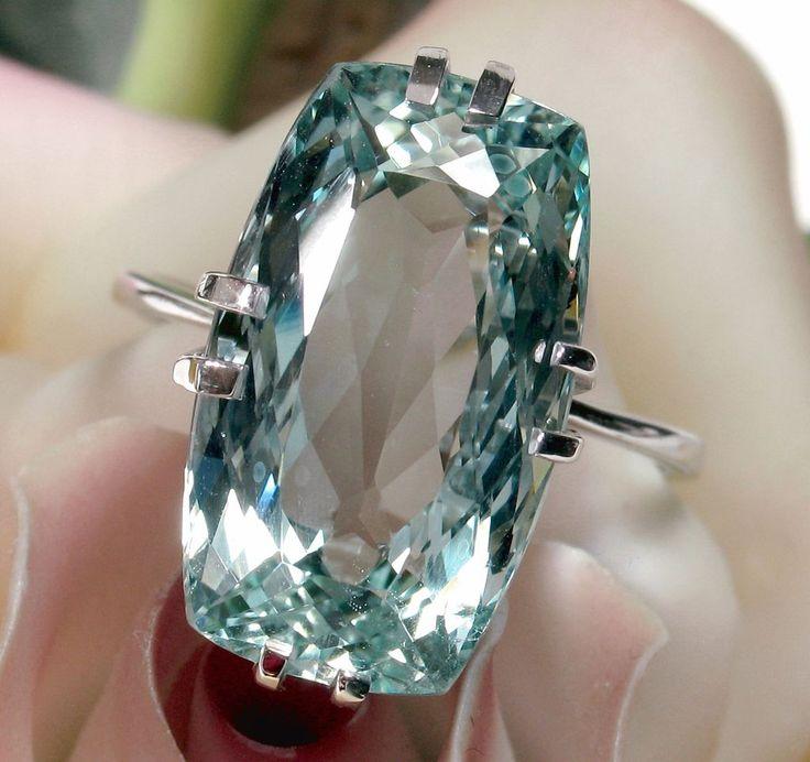 Superior French 10.80ct AQUAMARINE 18kt White Gold Ring