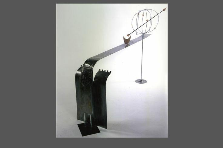 Galileo - scultura-mensola in lamiera di ferro spazzolato.