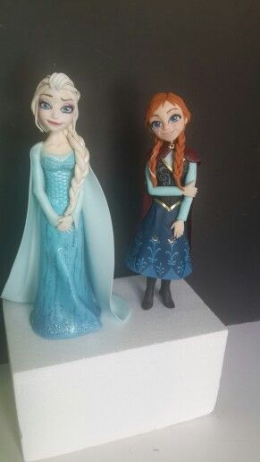 Anna and Elsa Cake toppers