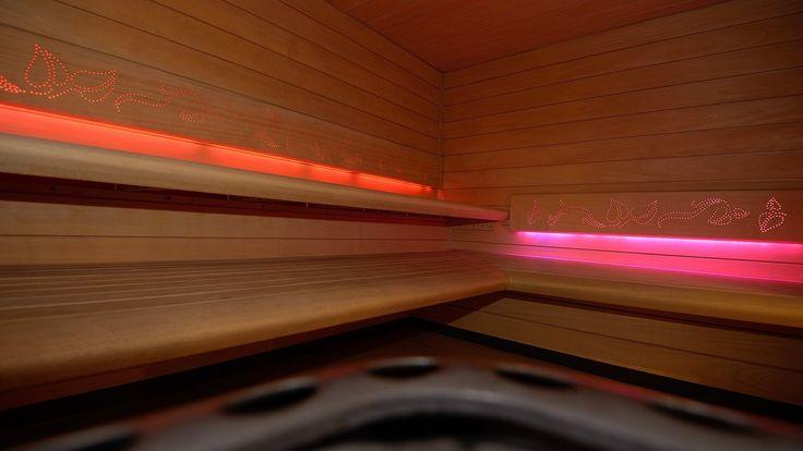Sauna w Hotelu nad Przełomem, @saunaline sauna, saunas, spa, spas, wellness, warm, hot, relax, relaxation, light, music, aromatherapy, luxury, exclusive, design, producer, health, wood, glass, project, hemlock, abachi, Poland, benefits, healthy lifestyle, beauty, fitness, inspirations, shower, bathroom