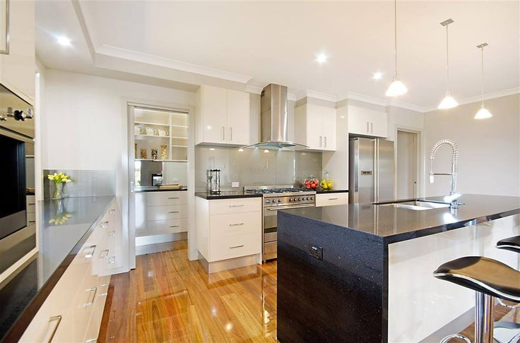Custom Kitchen - Butlers Kitchen Pantry