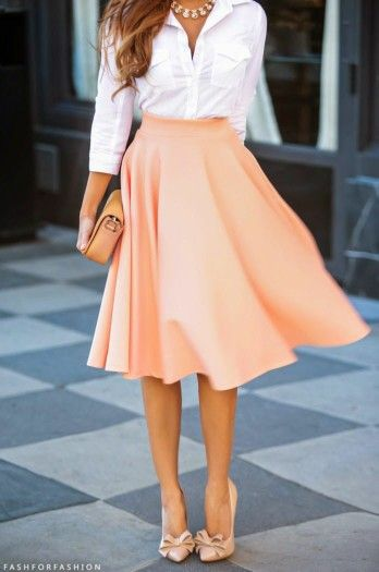 Nice long skirt. Sophisticated