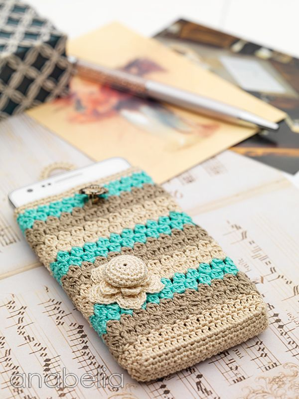Crochet phone sleeve...could do this on a bigger scale for tablet or laptop too