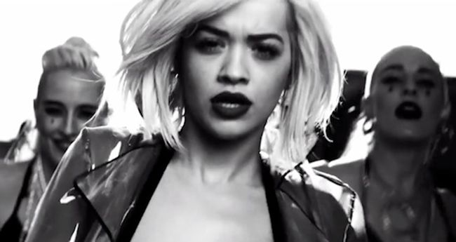 [Video] Rita Ora – 'I Will Never Let You Down' #Getmybuzzup- http://getmybuzzup.com/wp-content/uploads/2014/03/Rita-Ora-–-'I-Will-Never-Let-You-Down'-video.jpg- http://getmybuzzup.com/rita-ora-i-will-never-let-you-down/- Rita Ora – 'I Will Never Let You Down' By Amber B Roc Nation singer Rita Ora is back with her brand new single 'I Will Never Let You Down' which is produced by her boyfriend, super producer Calvin Harris. The uptempo, urban song serves
