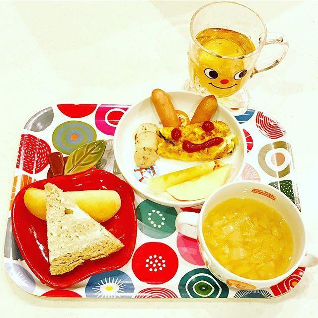 2016/12/21 05:51:32 yo_shi_bon #おうちごはん #白菜スープ #ヨーグルトライ #魔女のパン #クリームチーズ #納豆オムレツ #omelette #幼児食 #2歳 #2歳7ヶ月 #朝ごはん #朝食 #今日の朝食 #こどもごはん #いただきます #kids #kidsfood #kidsmeal #kidsbreakfast #breakfast #japonais #japanese #japanesefood #japanesebreakfast #ムスメシ #ムスメ #ニコニコ #バルミューダ #balmuda
