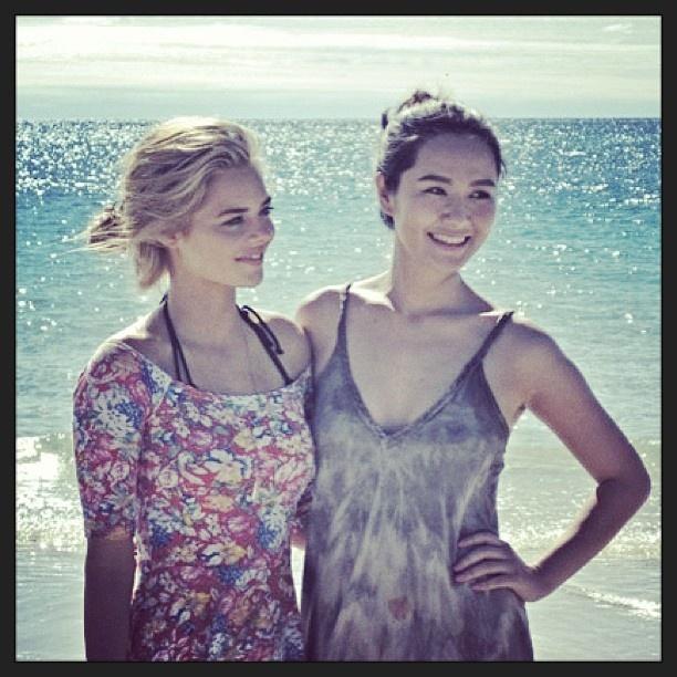 Actress @samweaving & model #liyahong on #Whitehaven beach #Whitsundays @Hamilton Island #return2paradise