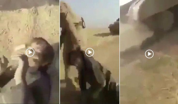 Milisi biadab Syiah menyeret menembak melindas bocah Sunni Irak tak berdosa dengan tank  IRAK (Arrahmah.com) - Arrahmah.com memperoleh sebuah video rekaman baru berisi kekejaman mengerikan yang menurut MEMO menunjukkan prilaku biadab milisi Syiah berseragam tentara Irak terhadap seorang bocah Sunni tak berdosa yang mereka klaim sebagai anak Daesh atau ISIS.  Para pelaku biadab itu menyiksa dan menyeret bocah malang tersebut di padang gurun sebelum menempatkannya di depan sebuah tank lalu…