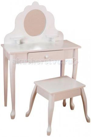 KidKraft Туалетный столик из дерева для девочки Модница (White Medium Vanity & Stool)  — 25950р.   KidKraft Белый туалетный столик из дерева для девочки Модница (White Medium Vanity & Stool). Далеко не каждый детский туалетный столик может сравниться по изяществу с данной моделью. Простой, но в то же время романтичный дизайн разработан специально для того, чтобы развивать у маленьких девочек хороший вкус и чувство прекрасного. А нейтральный и немного торжественный белый цвет будет уместен в…