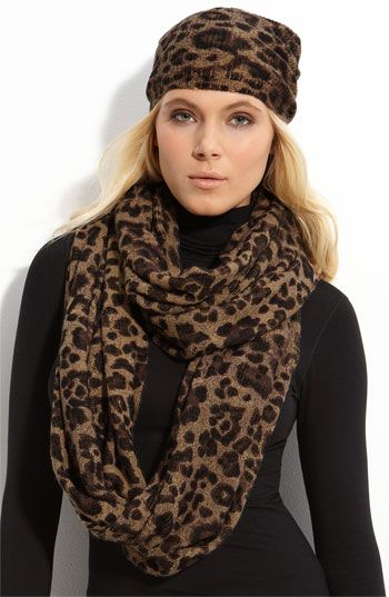 this is on it's way to my house right now. not the hat...just the scarf!