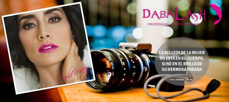 Red Dabalash te desea un bonito inicio de semana y luce una Hermosa