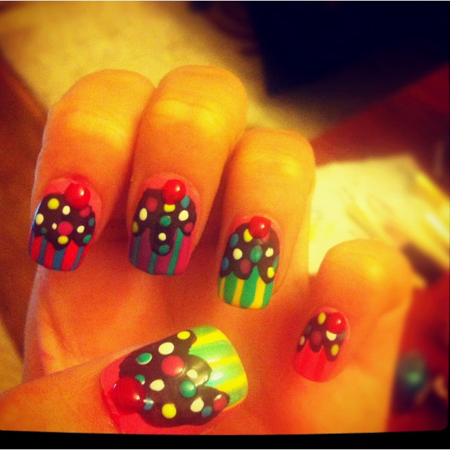 My cuppy cake nails part 2 :)