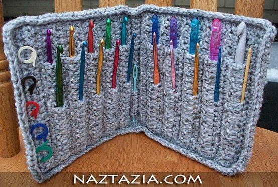 crochet hook case - free pattern by gloriaU see http://www.ravelry.com/patterns/library/aluminum-crochet-hook-case