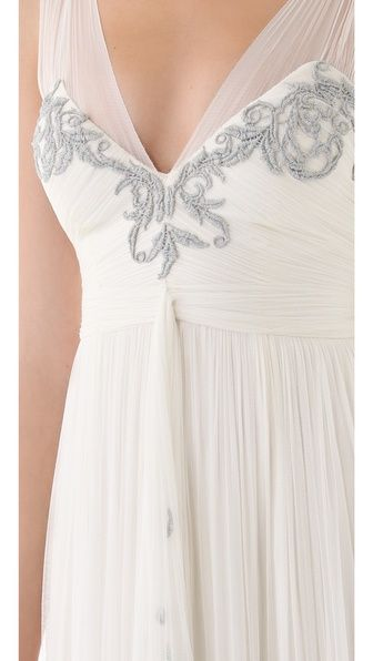 stunning wedding gown!