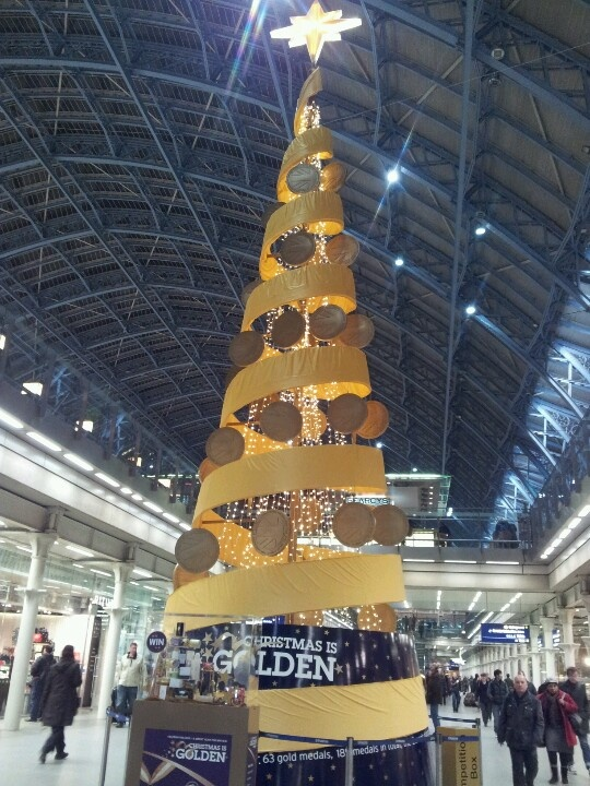 Funky Christmas tree  at St Pancras station