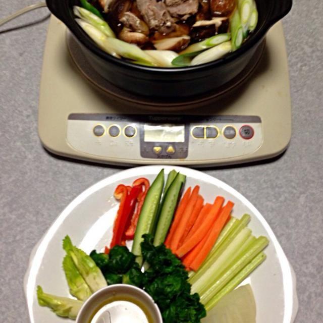 バーニャカウダソースを作ったので、野菜をたくさん食べました。 それと 鹿肉を使った鍋です。 - 2件のもぐもぐ - 鹿肉の鍋 と 野菜のバーニャカウダソース by Orie Ueki