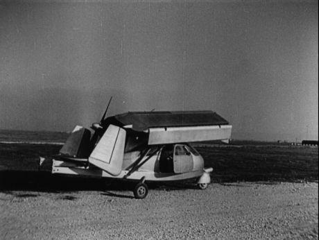 Is it car? Is it plane? |Włochy. Samolot - samochód [video] (Repozytorium Cyfrowe Filmoteki Narodowej) #car #retro #retrocar