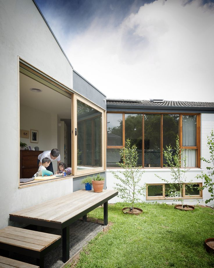 Doncaster house. Photography by Nick Stephenson. #inbetweenarchitecture #house #addition #renovation #architecture #melbournearchitecture #indooroutdoor #peachy_green_ #strawbrothers #garden #backyard