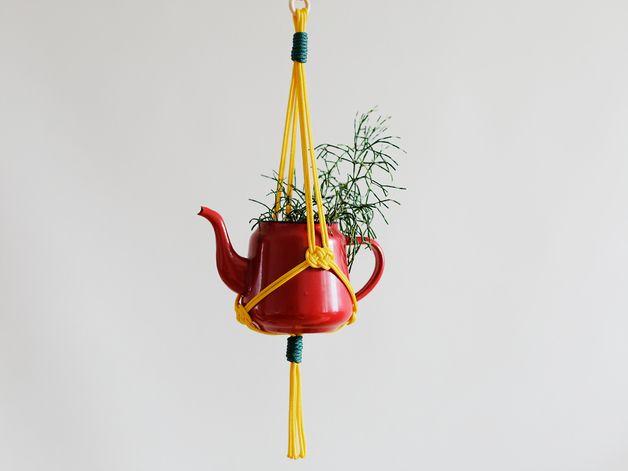 Deko-Objekte - Blumenampel gelb - Josephine Knot - ein Designerstück von Haekelhaeuschen bei DaWanda