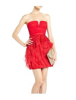 Вечернее платье цвета красной помады