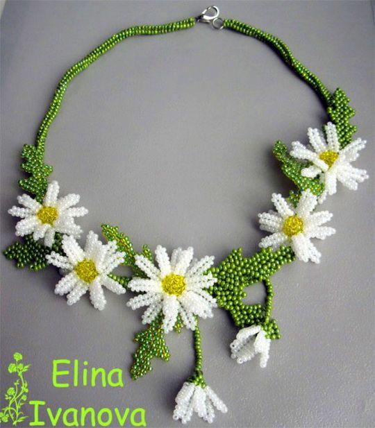 beaded daisies    http://beadsmagic.com/wp-content/uploads/2012/10/1111.jpg