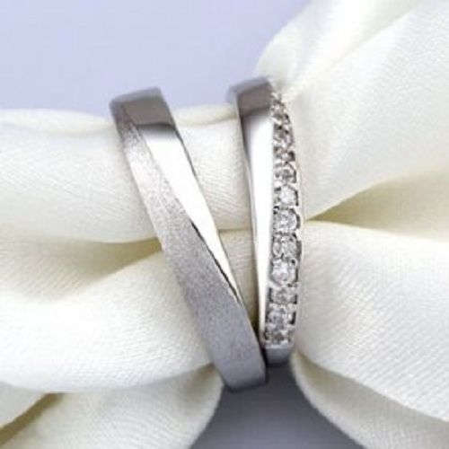 Beautiful Promise Rings for the special couples that want to promise their love before engagement