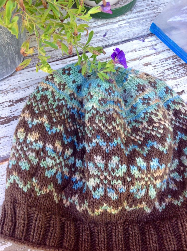58 best fair isle knitting images on pinterest knitting patterns basque hat with koigu kersti merino crepe and heaven dk earth free pattern find this pin and more on fair isle knitting dt1010fo