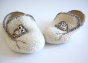 """Wool Felted Slippers - The Adrian - """"Boyfriend"""" Slippers for Women - Cream / Light Brown / Owl / Tree Branch / - MADE TO ORDER"""