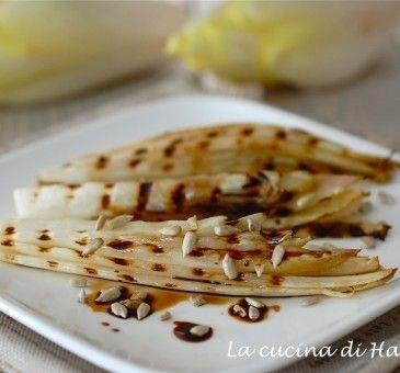Insalata Belga grigliata con semi di girasole  #insalata #salad #seeds #semi #girasole #food #wellness #contours