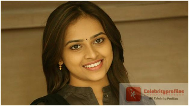 Bus Stop Heroine Sri Divya has no time to do Tollywood films