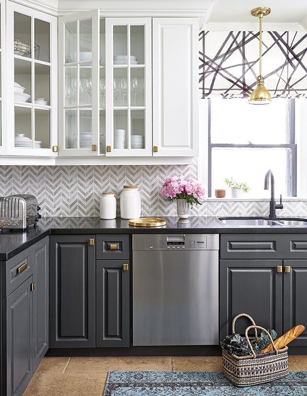 The 10 Best And Most Original Paint Colors For Your Kitchen 6 Charcoal Kitchens Kitchendesign Kitchen Design Kitchen Cabinets Makeover Home Kitchens
