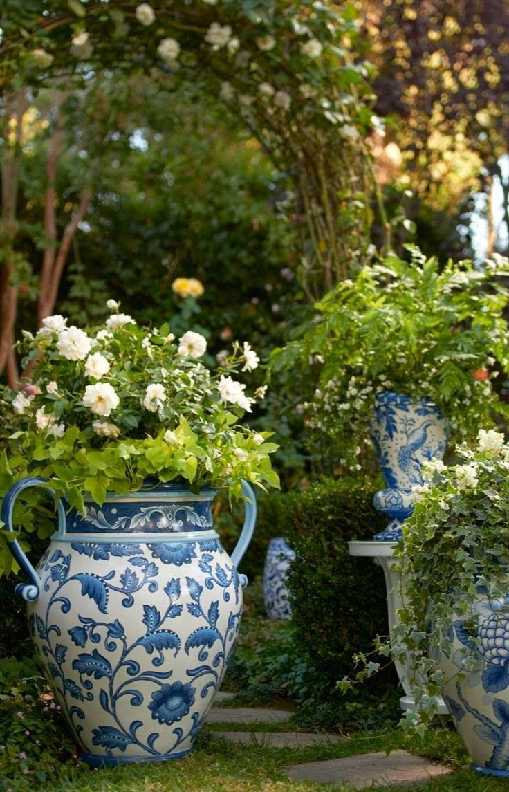 200 best images about container flowers on pinterest for Beautiful planters