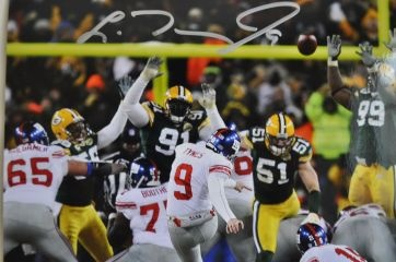 Lawrence Tynes NY Giants autographed 8x10 framed photo