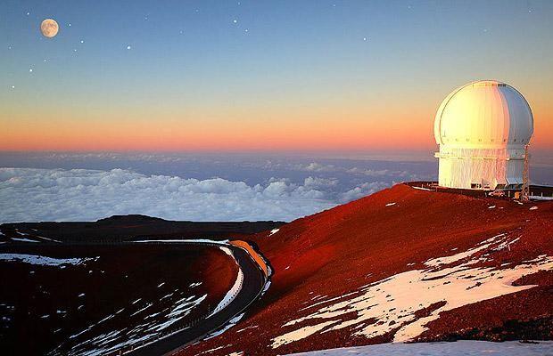 Observatory atop mauna kea , Hawaii.