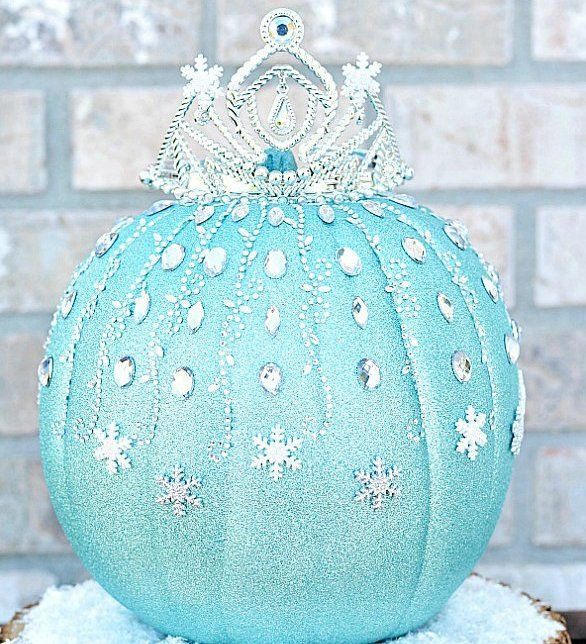 Winter Wonderland Pumpkin: This gorgeous pumpkin sparkles just like the ice Elsa covers Arendelle in, and you can DIY your own!