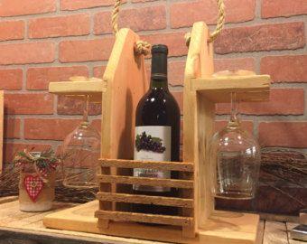 Portador de dos botellas de vino hecho a mano en por WoodaCooda