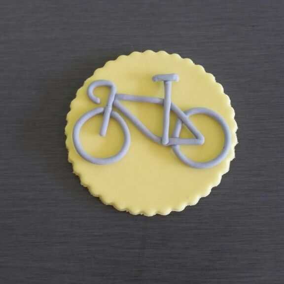 Bike cupcakes toppers