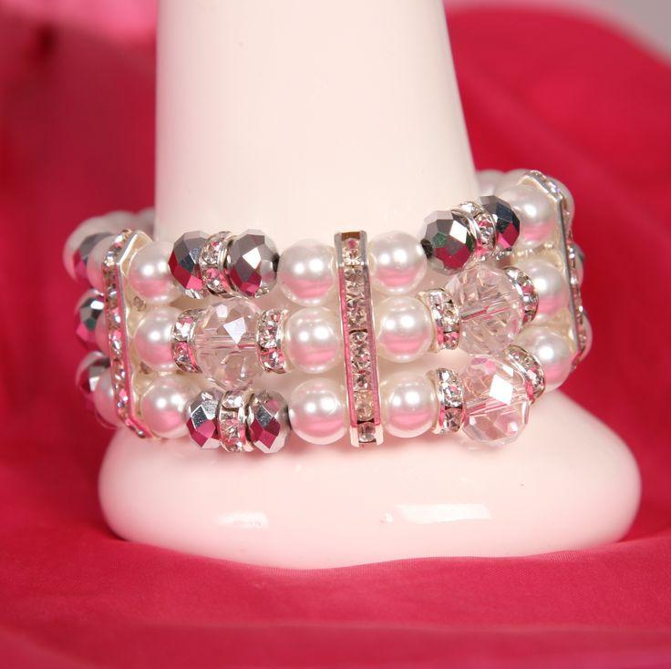 3 strand pearl fashion bracelet