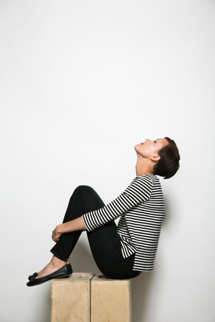 R29 editorial assistant Chloe Daley in Levi's empire jeans and Madewell striped tee : Minimal & Classic | Nordhaven Studio