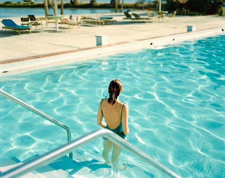 """Ginger Shore, Causeway Inn, Tampa, Fla., Nov. 17, 1977""  (Crédits images : Stephen Shore)"