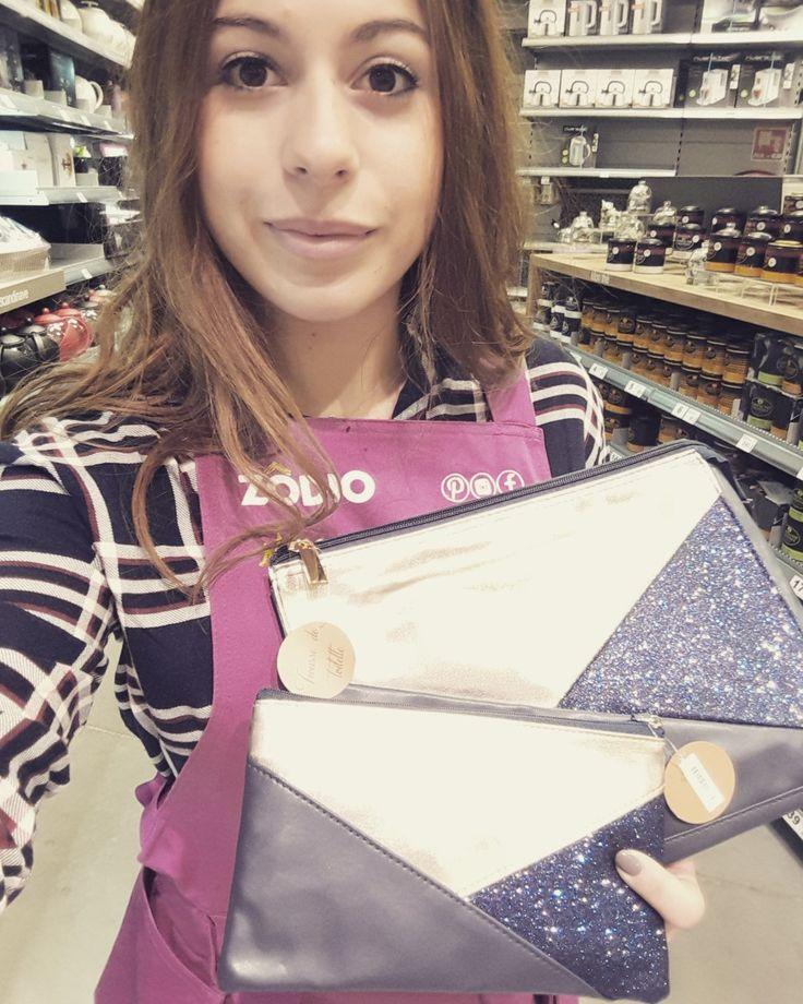 J'ai choisi pour ma soeur les pochettes bleues nuit pailletées (Blog Zôdio)