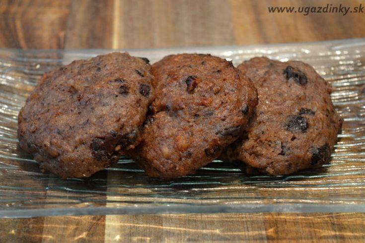 Krehké cookies bez múky z pekanových orechov a banánov