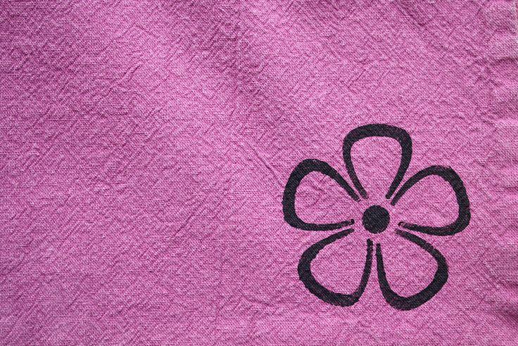 Textilky - obarveno barvou Šeřík, odstín kytky Černá
