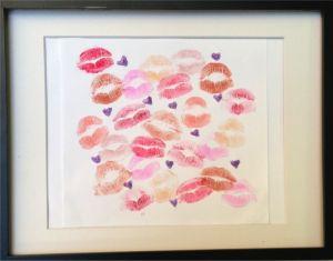 ¿Regalo original? ¡Cuadro de besos! Busca más ideas para San Valentín en http://www.1001consejos.com/manualidades-para-mi-novio/ #SanValentin