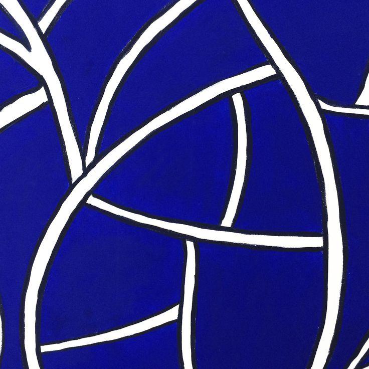 Particolare in bianco e blu con Linee Curve. Collezione privata di STRA-DE  STRATEGIC-DESIGN.