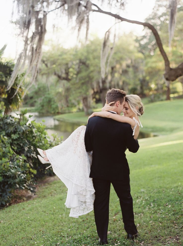 Photography: Lucy Cuneo Photography - www.lucycuneophotography.com  Read More: http://www.stylemepretty.com/2015/06/15/romantic-charleston-elopement-inspiration-at-middleton-place/