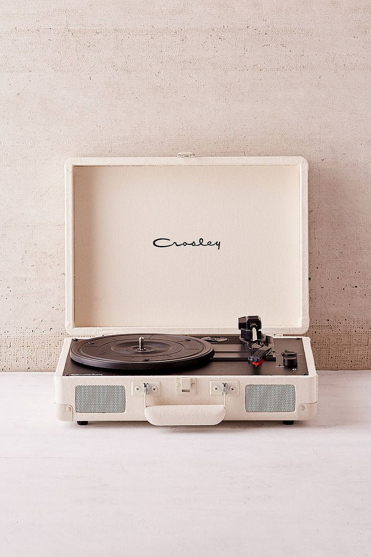 Crosley Uo Exclusive Cream Canvas Cruiser Bluetooth Record