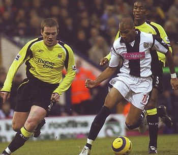 West Brom 2 Man City 0 in Dec 2005 at the Hawthorns. Richard Dunne chases Diomansy Kamara #Prem